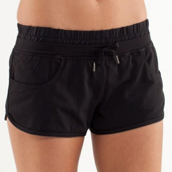 ❄️ 2/$40 Black Lululemon Strength and Tone Shorts